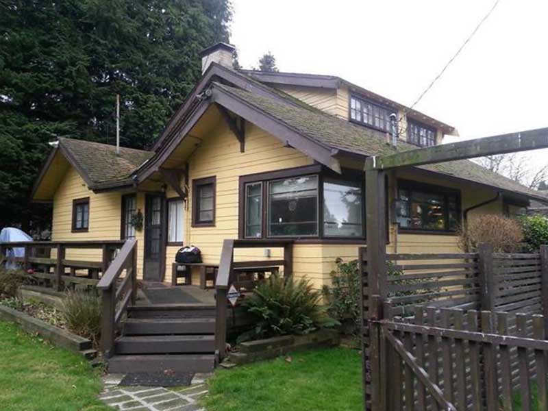 This home in Seattle, WA was suffering from a wet basement due to clogged gutters