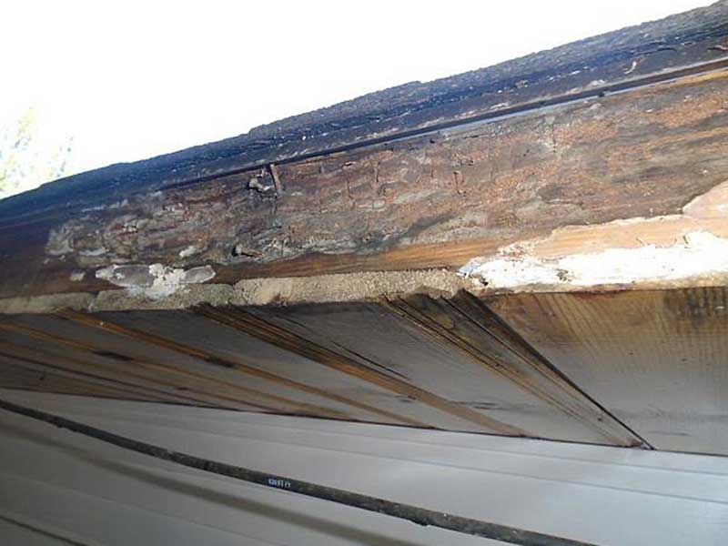 Another shot of LeafGuard's rotten fascia in Everett, WA